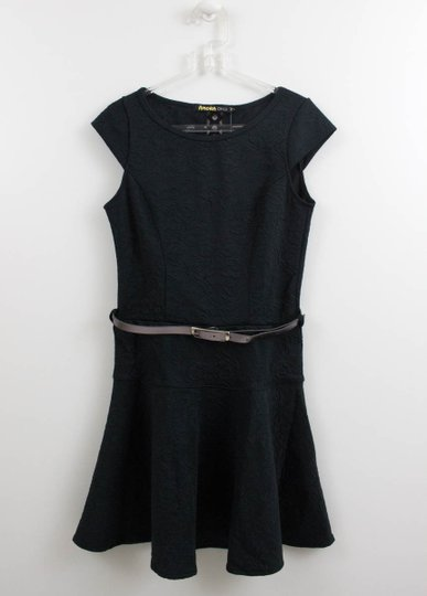 Vestido Amora Preto Malha Brocada com Cinto